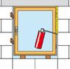 Fuge zwischen Mauerwerk und Rahmen aufschäumen