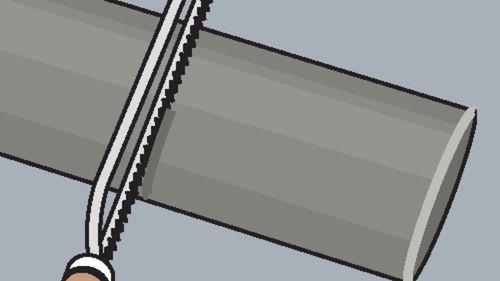 Röhre mit Puk-Säge auf entsprechende Länge kürzen