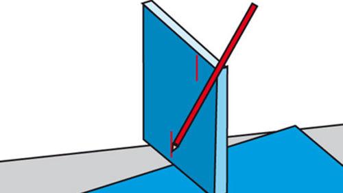 Fliese herumdrehen und die kurze Seite anzeichnen