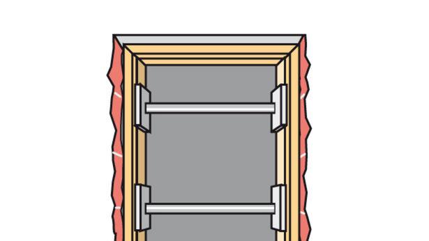 Türzarge in die Maueröffnung setzen