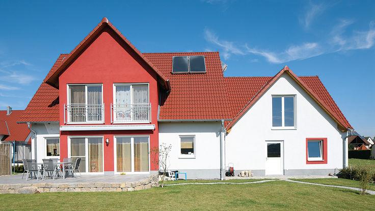 Haus mit roter Dachdeckung