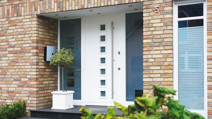 Weiße Eingangstür - Aluminium-Holz-Kombination mit Glaselementen