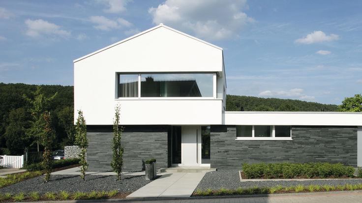 Weißes Architektenhaus