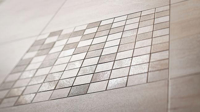 Bodenfliesen-Mosaik im Badezimmer