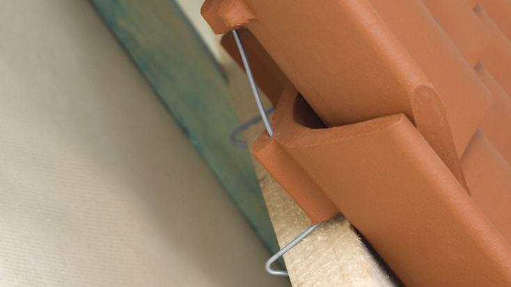 Dachziegel-Sicherung mit Sturmklammern