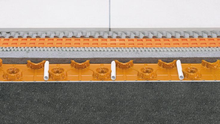 Fußbodenheizung Querschnitt flache Estrichnoppenplatte
