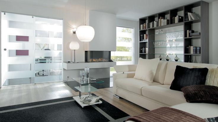 Wohnzimmer mit Glas-Schiebetuer