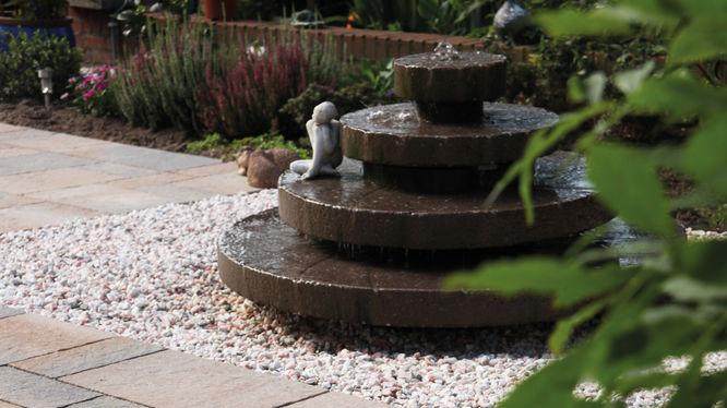 Gartenbrunnen