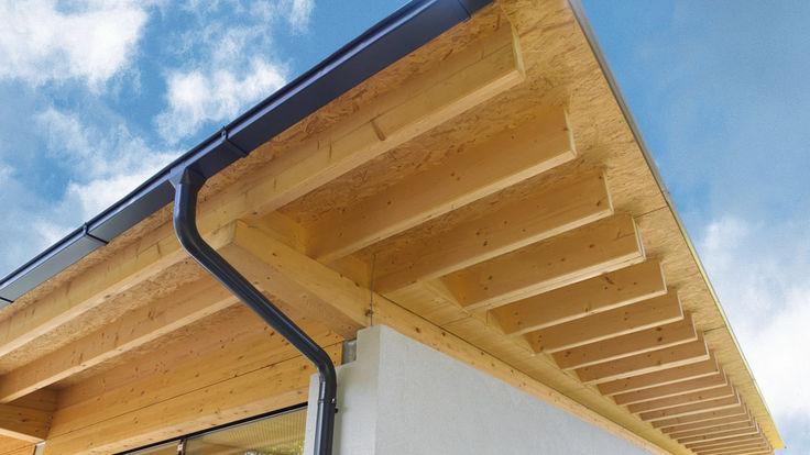 Hausdach aus Grobspanplatten und Konstruktionshoelzer